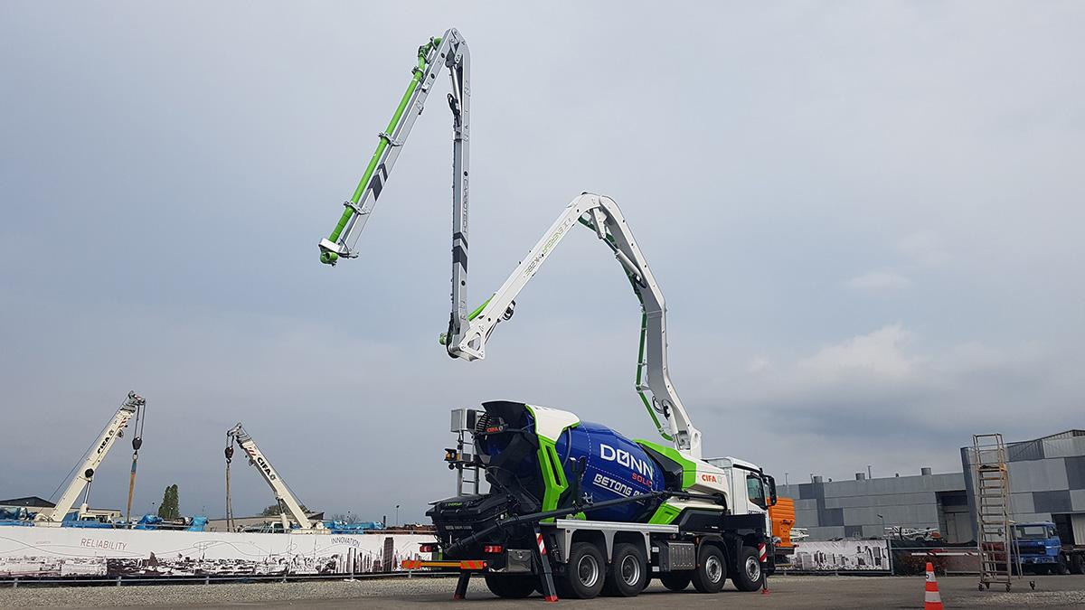 Verdens første hybride betongpumpe